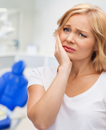 Tooth Extractions | Paramount Dental | North Calgary | Family and General Dentist
